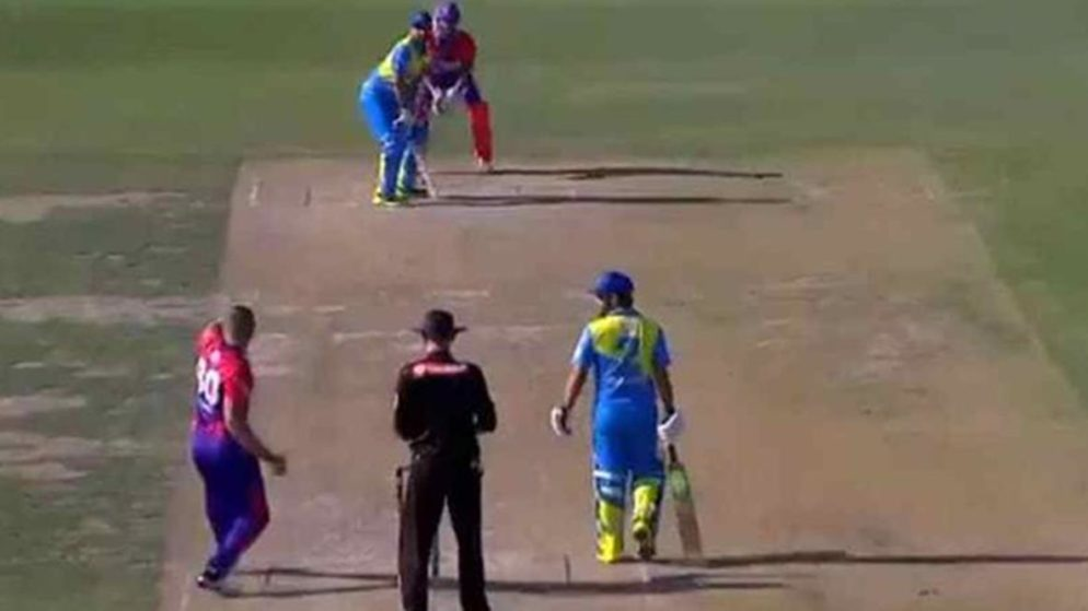 Romanian bowler Pavel Florin creates buzz with his unorthodox Bowling Action