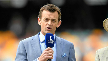 AdamGilchrist advises Rishabh Pant to not try becoming another Dhoni!