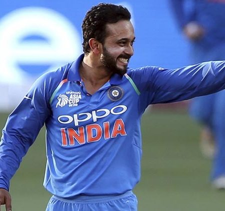 Kedar Jadhav Age, Wife, Net Worth, injury, wiki, height, Stats & more