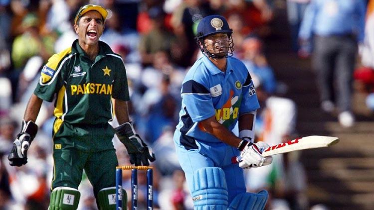 A Swashbuckling Ninety-Eight Runs Against Archrivals Pakistan'2003