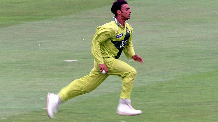 Shoaib Akhtar – Pakistan