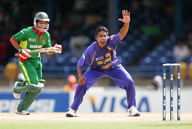 Chaminda Vaas (Sri Lanka) – 400 ODI Wickets