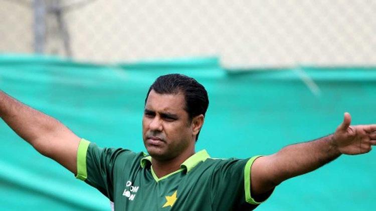 Waqar Younis (Pakistan) – 416 ODI Wickets