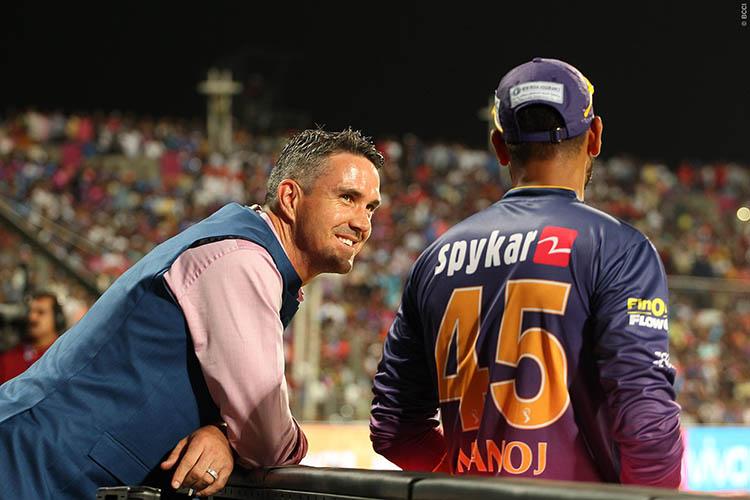 Mahendra Singh Dhoni Trolled Kevin Pietersen