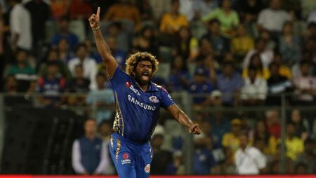 Top 5 Bowlers who have bowled most dot balls in a Single IPL Season