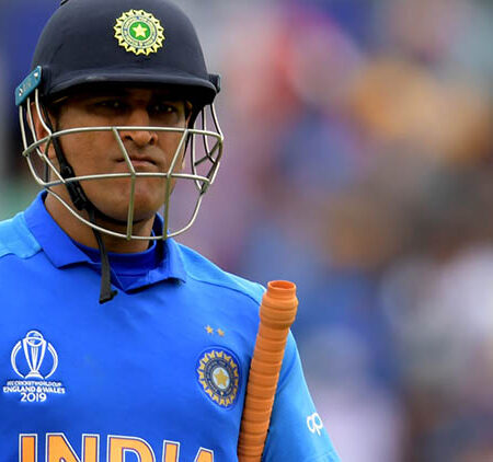 Top 5 Most Painful run-outs involving MS Dhoni