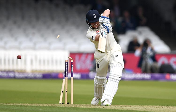 Types of Out in Cricket – How many ways can a batsman lose his wickets?