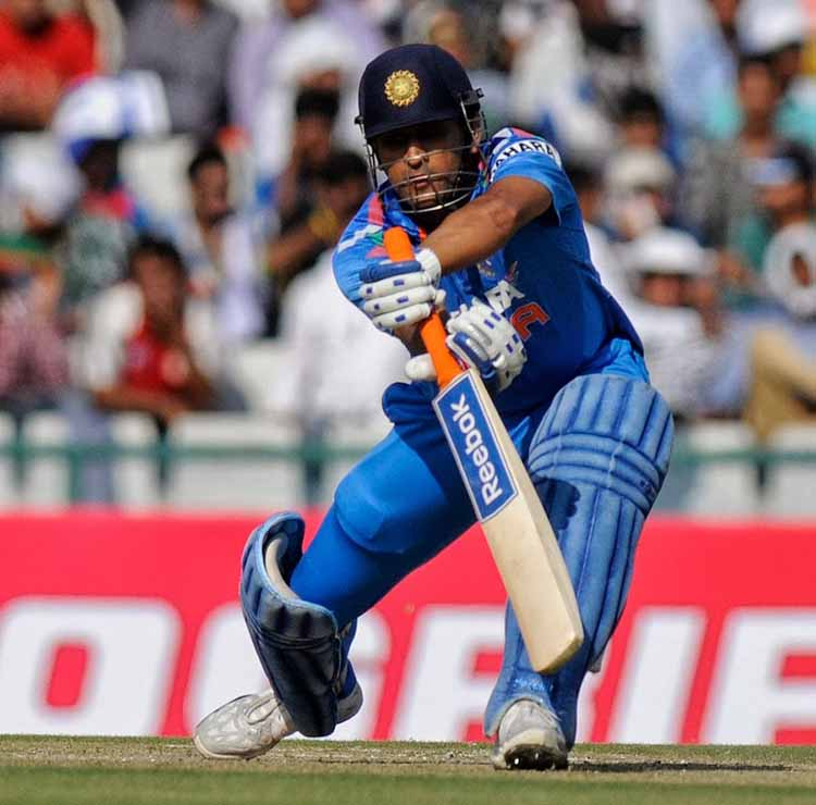 Dhoni's 139* off 121 Balls in an India Vs Australia Match