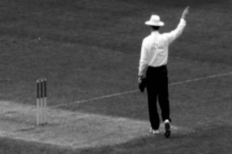 MG Vijayasarathi & M.V. Nagendra and umpiring in the same Cricket Match