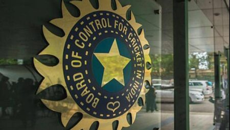 BCCI sets INR 300 crore turnover criteria for 2020 IPL Sponsorship Title