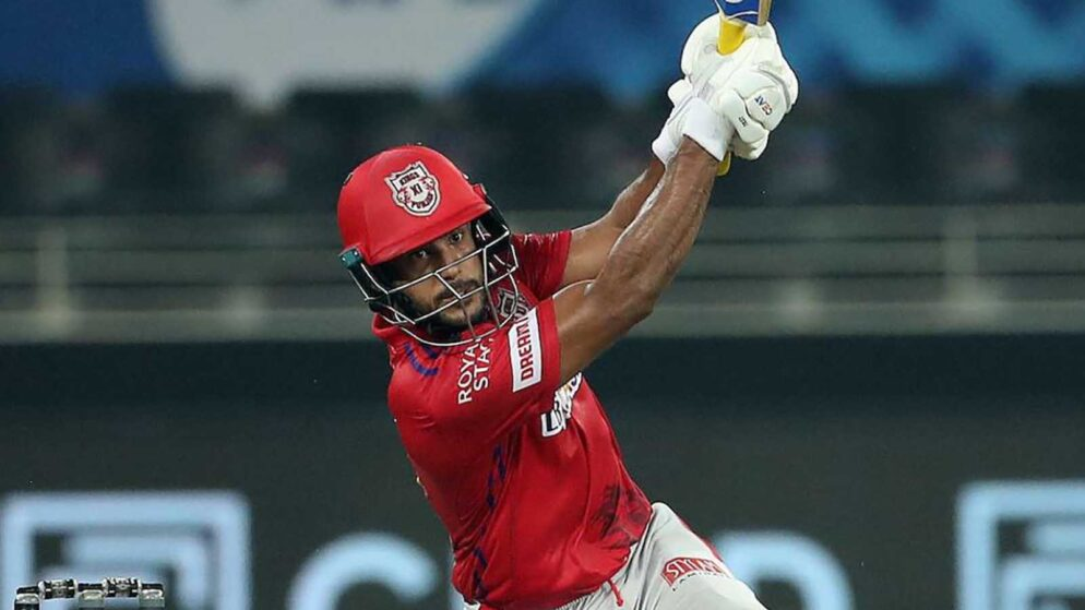 Mayank Agarwal Memorable Knock Against DC Wents in Vain, Netizens salutes his heroics