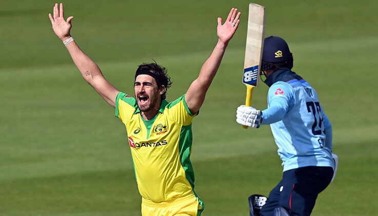 "Watch: Mitchell Starc Gives ""Mankad"" Warning to Adil Rashid"