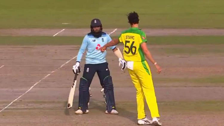 Mitchell Starc warns Adil Rashid during 3rd ODI