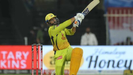 MS Dhoni hits a six out of the park; a lucky fan takes the ball home