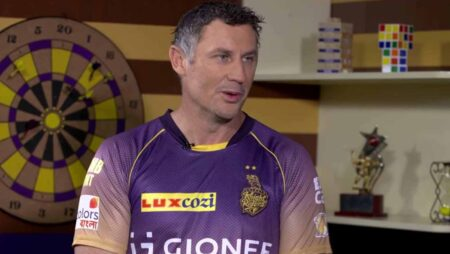 """Andre Russell might actually make a double hundred if he bats at number 3"", says David Hussey"