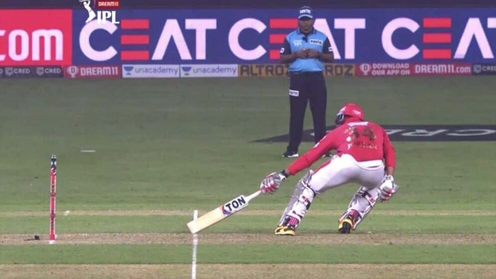 """""""Umpire should have been Man of The Match,"""" Virender Sehwag fumes as umpiring blunder costs KXIP their match"""