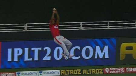 Mayank Agarwal Turns Superman And Saves Runs For KXIP against MI In Super-Over: Watch