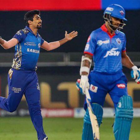 IPL 2020: Jasprit Bumrah Sensational Yorker Rattles Shikhar Dhawan's Woodwork