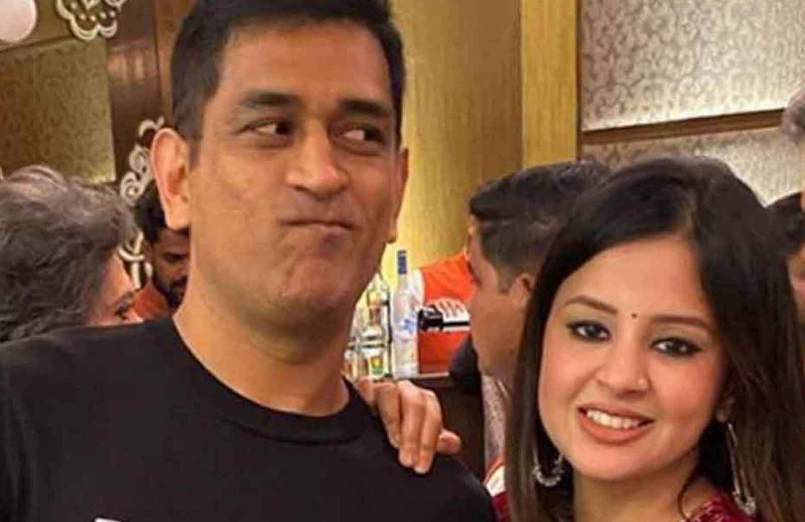 Who Can Upset MS Dhoni,- Sakshi Dhoni Makes Surprising Revelation In A Video Shared By CSK-f