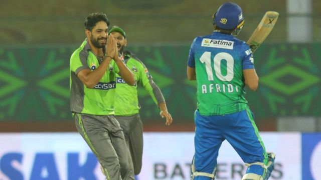 PSL 2020- Please Bowl Slow To Me,-Shahid Afridi Hilarious Request To Haris Rauf After Getting Dismissed for Golden Duck