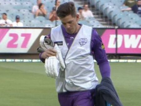He Dropped The Water Too' – Netizen Trolls Tim Paine For Carrying Drinks In A BBL 202-21 Match